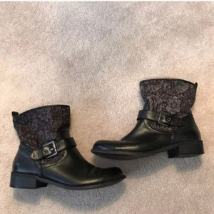 G by Guess black lace ankle boots size 8.5